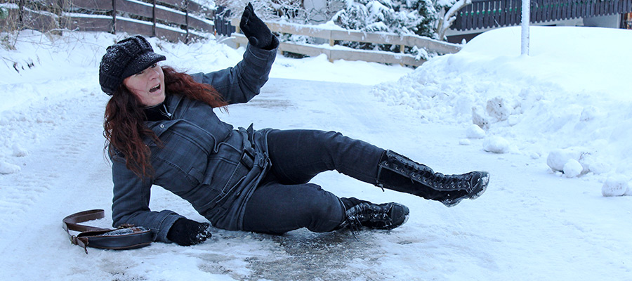 Slip-and-Fall: woman slips on ice